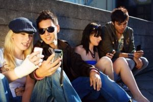 teens-mobile-phones